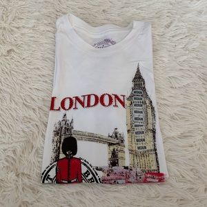 3/$20 London short sleeve T-shirt 🇬🇧